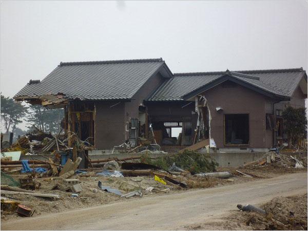 写真2:東日本大震災の津波の惨状仙台市