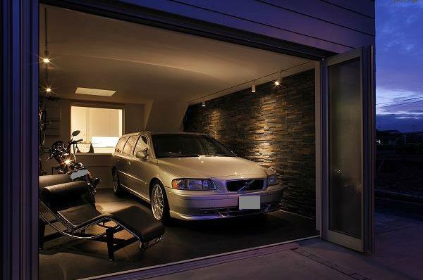 毎日ガレージを「楽し」むことができる住まい