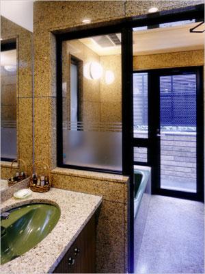トイレ洗面浴室を御影石でつくる