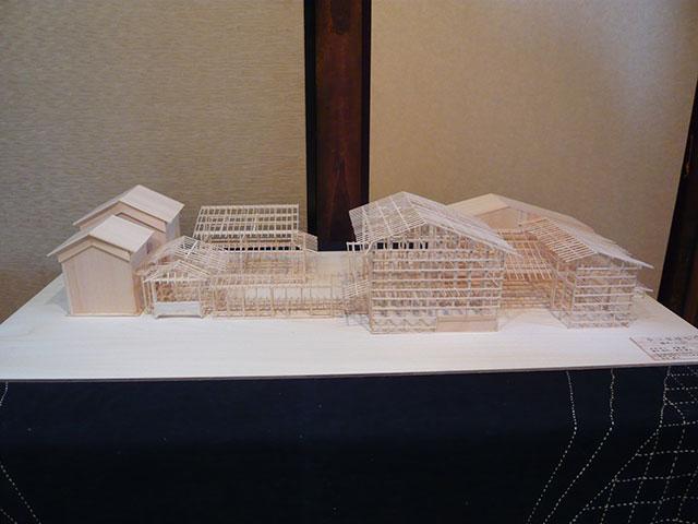 写真:京都町家の模型(天野彰)
