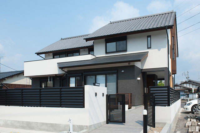 「二世帯含み住宅」のO邸外観(設計:アトリエ・フォア・エイ 天野彰人)
