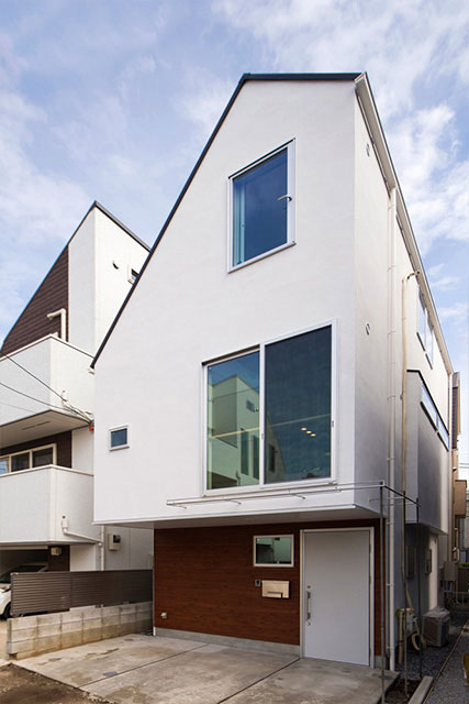 3階建てのポイントは、複数の施工会社の比較と高性能・耐震性能のしっかりした家